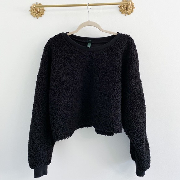 Wild Fable Black Sherpa Cropped Pullover